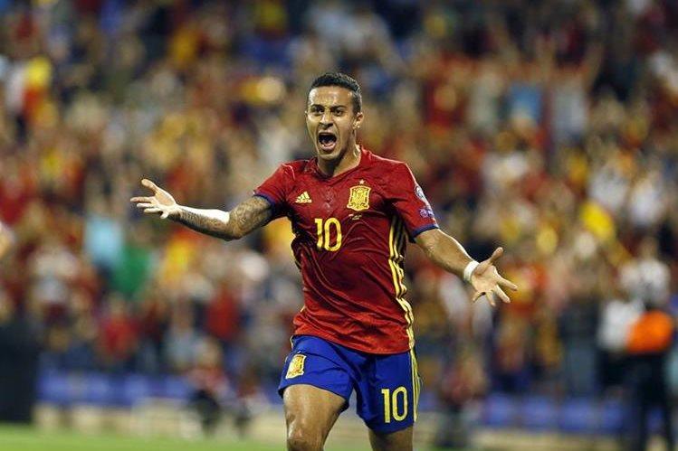 Thiago es uno de los jugadores más desequilibrantes en el conjunto español dirigido por Lopetegui. (Foto Prensa Libre: EFE)