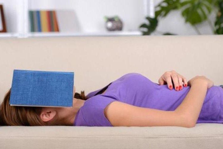 ¿Te pasó alguna vez quedarte dormido mientras lees? (THINKSTOCK)