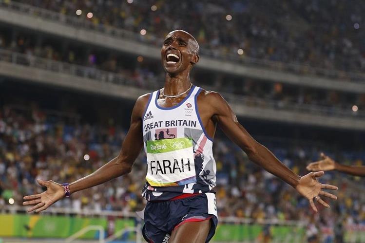 El británico Mo Farah celebra su triunfo en la final de los 5,000 metros masculinos en Río 2016 (Foto Prensa Libre: AFP)