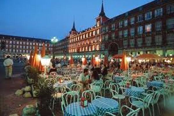 <p>España efectúa el encuentro empresarial sobre turismo en una de las ferias más importantes a nivel internacional.<br></p>