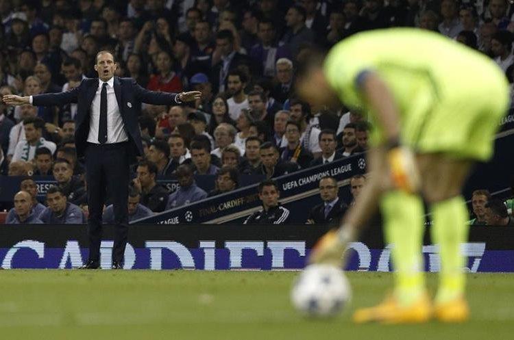 Massimiliano Allegri, técnico de la Juventus dirige la final de Champions contra el Real Madrid.