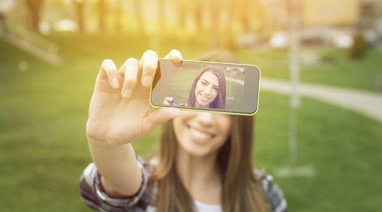 Los smartphones han popularizado las autofotos en todo el mundo. (Foto Prensa Libre: Hemeroteca PL)