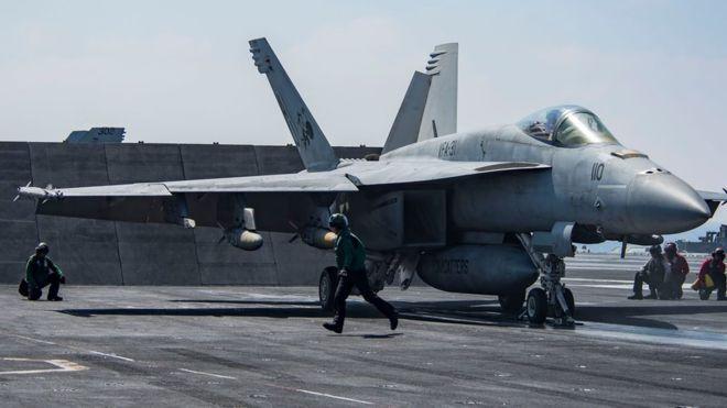 Un avión caza F/A-18 Super Hornet (similar al de la fotografía) derribó un avión del Ejército sirio.