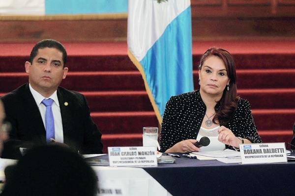 Juan Carlos  Monzón y la vicepresidenta Roxana Baldetti, durante un evento público. (Foto Prensa Libre: Hemeroteca PL)
