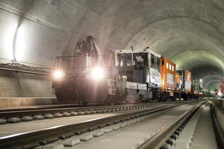 Inauguran el túnel ferroviario más largo del mundo. (Foto Prensa Libre: AFP)