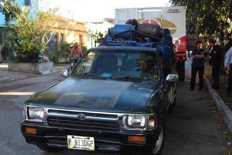 Cilindros de gas propano fueron recuperados en la zona 12 capitalina. (Foto Prensa Libre: PNC)