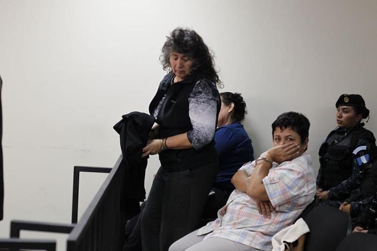 María Luisa Osorio, esposa de Arnoldo Medrano figura dentro de las personas capturadas. (Foto Prensa Libre: Paulo Raquec)