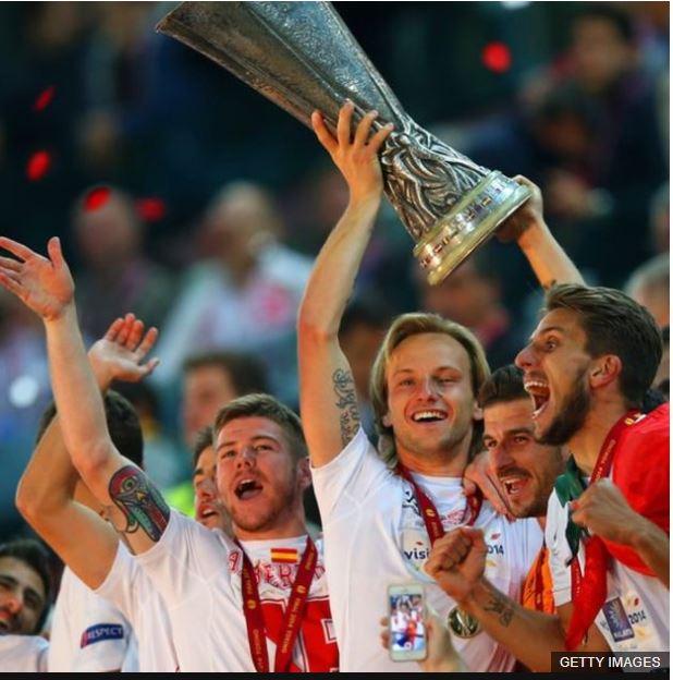 Llegó a ser capitán del Sevilla para satisfacción de la familia de su esposa, aficionada del equipo del Nervión.