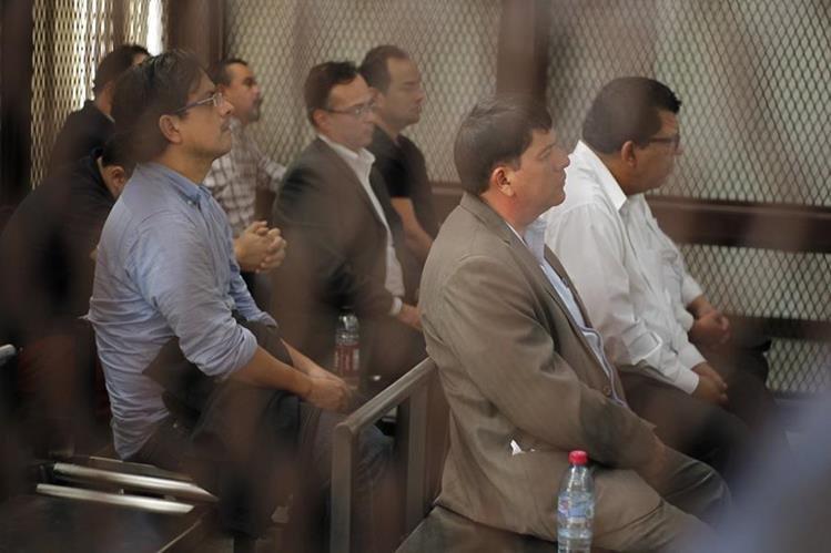 Sindicados en el caso Negociantes de la Salud durante una audiencia. Foto Prensa Libre: Hemeroteca PL