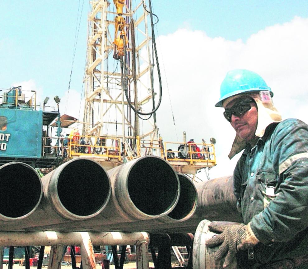 Petrolera Perenco opera en la extracción de petróleo en el Parque Nacional Laguna del Tigre, en Petén. (Foto Prensa Libre: Hemeroteca PL)