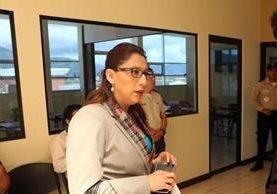 Claudia Ávila, gobernadora de Quetzaltenango, podría ser investigada por abuso de autoridad y tráfico de influencias. (Foto Prensa Libre: Carlos Ventura).