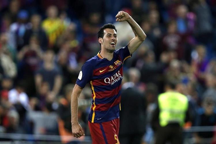 Sergio Busquets renovó cinco temporadas más con Barcelona, con cláusula de rescisión de €200 millones.