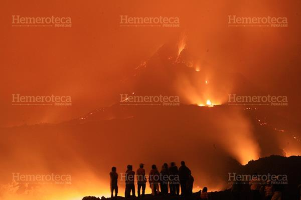 El 27 de mayo de 2010 el Volcán de Pacaya erupciona fuertemente. (Foto: Hemeroteca PL)