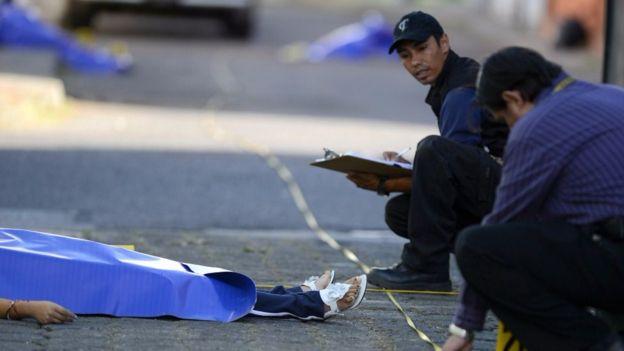 Guatemala vive una inédita ola de violencia de pandillas.(Foto Prensa Libre: AFP/Johan Ordoñez)