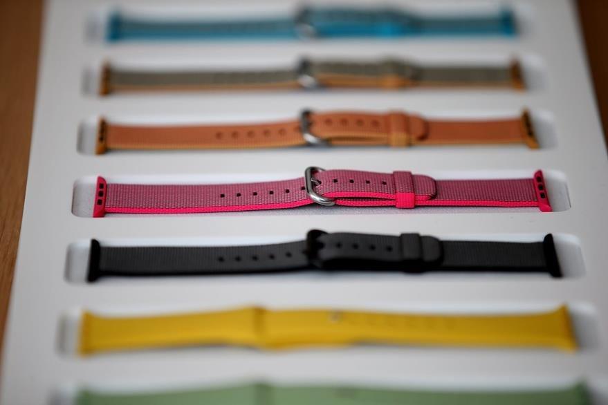 Nuevos colores y texturas llegan al Apple Watch (Foto Prensa Libre: AFP).