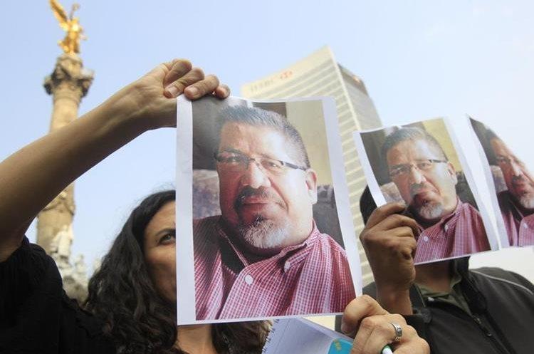 Periodistas mexicanos protestan contra crímenes
