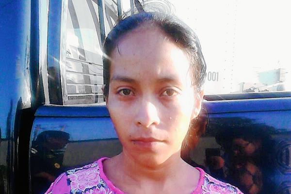 Elvira Ical  Botzoc, detenida en Sayaxché, Petén, por trata de personas. (Foto Prensa Libre: MP)