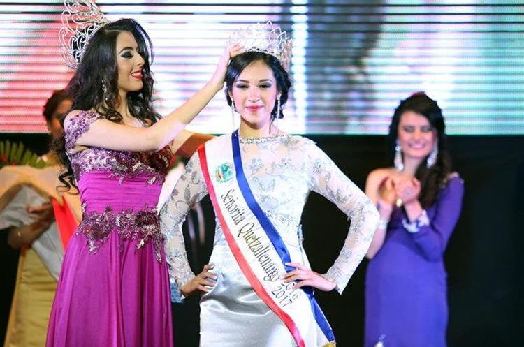 Jessica Morales es coronada como Señorita Quetzaltenango.