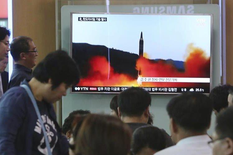 Corea del Norte dice poder producir misiles en masa
