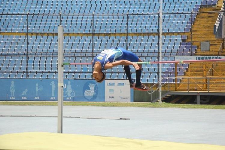 Franzúa se llevó el show este sábado con su impresionante salto. (Foto Prensa Libre: Federación de Atletismo)