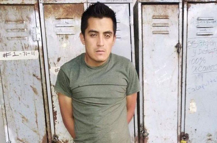 Hipólito Vertoni Velásquez López, de 29 años, conducía en estado de ebriedad. (Foto Prensa Libre: Héctor Cordero)