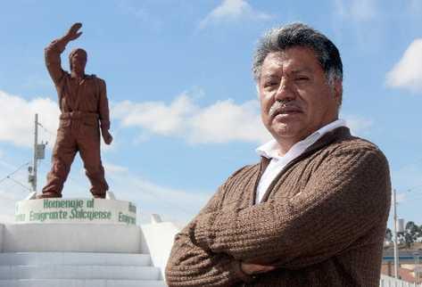 El escultor quetzalteco Eduardo Sac habla de su vida y de su arte. Fotos CARLOS VENTURA
