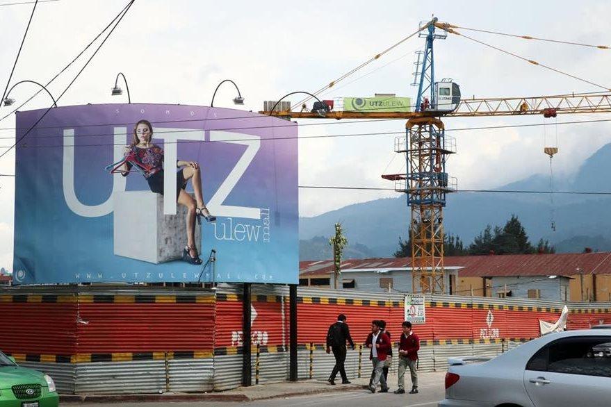 Centro comercial Utz Ulew Mall, en Quetzltenango, cuya licencia de construcción habría sido otorgada de forma anómala. (Foto Prensa Libre: Carlos Ventura)