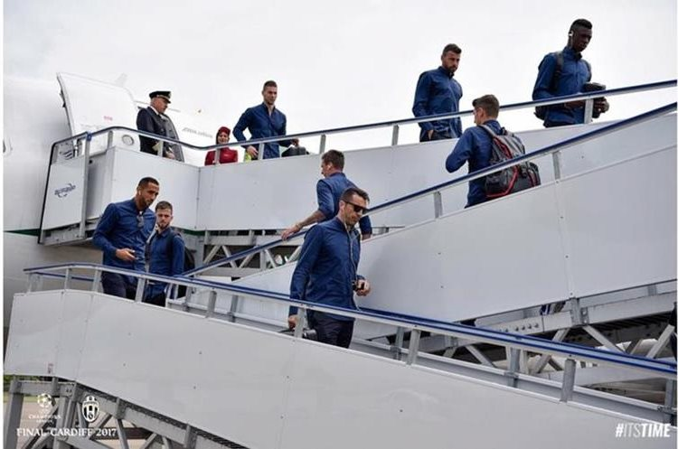 Los jugadores de la Juventus esperan conseguir el triplete esta temporada. (Foto Prensa Libre: Juventus)