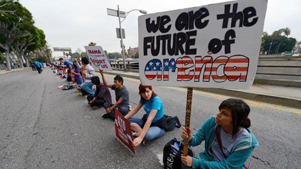 UN GRUPO DE Inmigrantes indocumentados piden una reforma migratoria. (Foto Prensa Libre:AP)