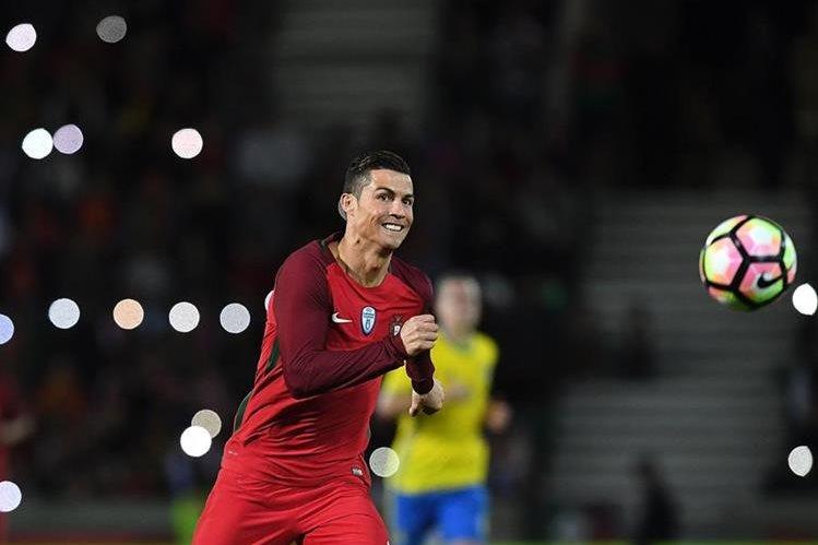 Cristiano Ronaldo es la gran figura de la selección de Portugal. (Foto Prensa Libre: AFP)