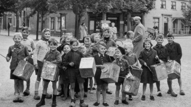 Las latas de galletas, sólo como juguetes: la escasez de alimentos en parte de los Países Bajos fue corta pero intensa. KEYSTONE