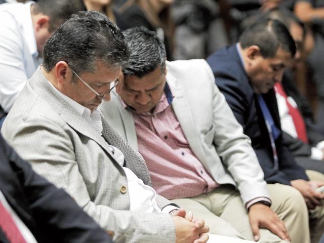 Juan Luis Ortiz, sindicado en el caso Cooptación del Estado, duerme durante la jornada número 18 de la audiencia indagatoria.
