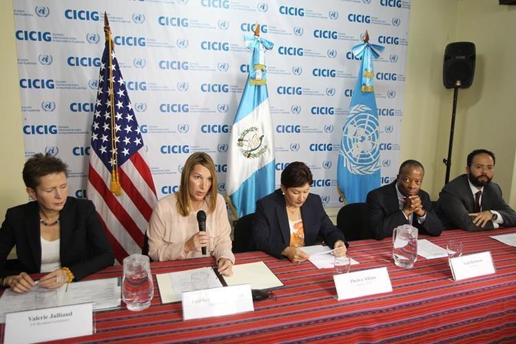 """La Cicig y el Ministerio Público señalan a Pérez Molina y Baldetti de haber recibido beneficios de la red de corrupción """"La Línea"""". (Foto Prensa Libre: Hemeroteca PL)"""