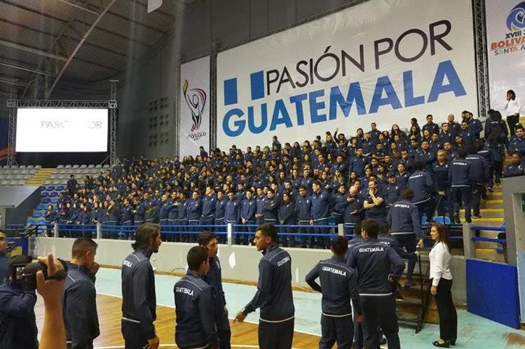 Atletas nacionales tomaron juramento antes de participar en Managua 2017 y Bolivarianos 2017. (Foto Carlos Vicente).