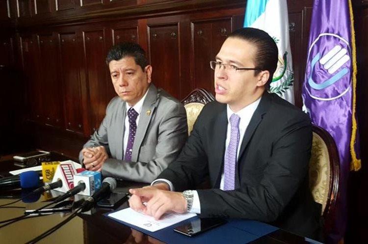 Diputados de la bancada Todos plantearon la necesidad de reformar la Ley de Apoyo a las Fuerzas de Seguridad Civil. (Foto Prensa Libre: Jessica Gramajo)