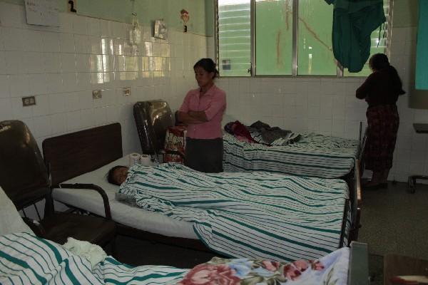 Varios de   los heridos quedaron internados   en el Hospital Nacional de San Marcos.
