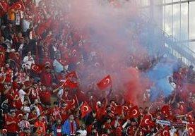 Turquía le dijo adiós a la Euro en el juego contra República Checa.