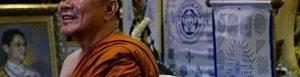 El monje Phra Prommangkalachan.