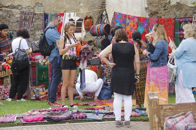 Inguat pide a los prestadores de servicios turísticos que se registren y a los usuarios que verifiquen la existencia del negocio. (Foto Prensa Libre: Hemeroteca PL)