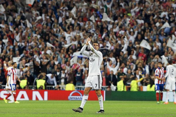 El delantero portugués del Real Madrid, Cristiano Ronaldo, ya piensa en lo que viene en su futuros después del equipo merengue. (Foto Prensa Libre: EFE).