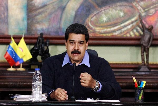 "<em><span>Nicolás Maduro,</span> <span class=""hps"">habla</span> <span class=""hps"">durante el programa</span> <span class=""hps"">de televisión</span> <span class=""hps"">presidencial</span> <span class=""hps"">en</span><span class=""hps""> Caracas.</span></em>"