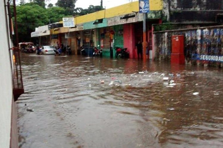 Una de las áreas inundadas en el centro de Mazatenango, Suchitepéquez. (Foto Prensa Libre: @Red01Skull)