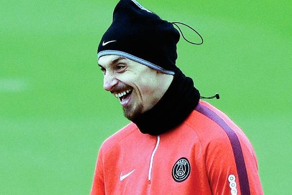 Zlatan aún tiene contrato con los parisinos pero los rumores de su posible salida persisten. (Foto Prensa Libre:Hemeroteca)