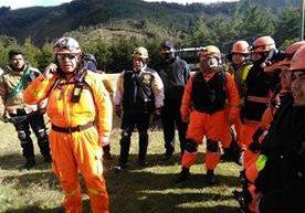 Cuerpos de socorro buscan a desaparecidos en el Acatenango.