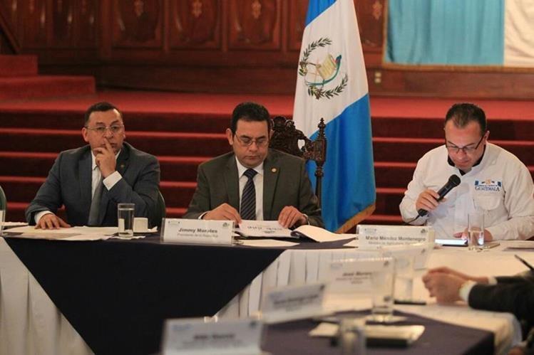 El presidente Jimmy Morales, encabeza el Gabinete Urbano y Rural, en el Palacio Nacional de la Cultura. (Foto Prensa Libre: Esbin García)