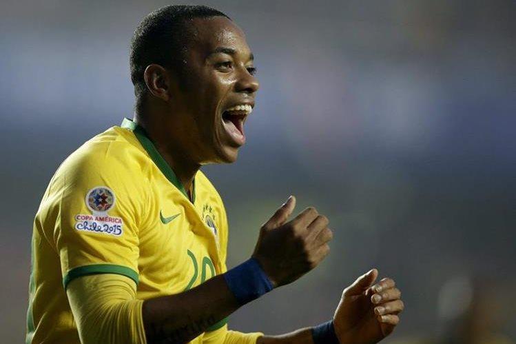 El atacante brasileño Robinho estará dos años con el Atlético Mineiro. (Foto Prensa Libre: AFP)