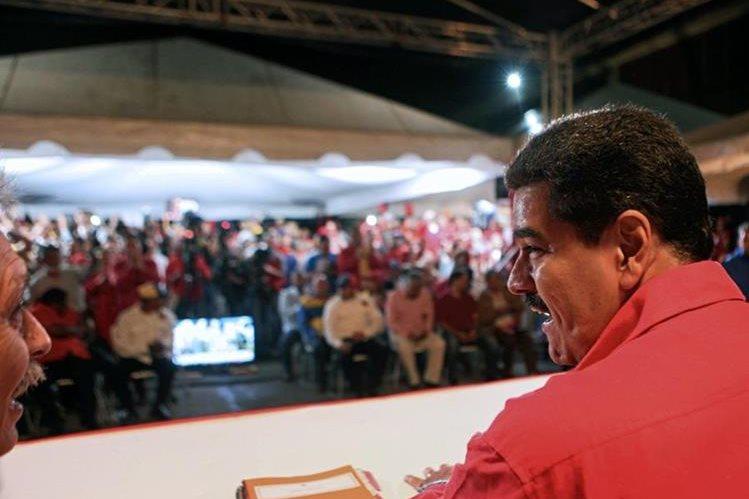 El Gobierno del presidente Nicolás Maduro decretó emergencia económica. (Foto Prensa Libre: Hemeroteca)