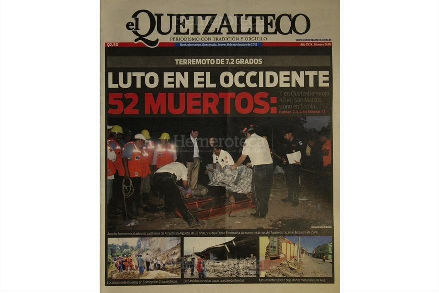 Portada del Quetzalteco del 8/11/2012 informa sobre la cantidad de muertos en Quetzaltenango por el Terremoto.(Foto: Hemeroteca PL)