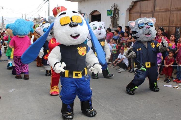 Internacional Grupo Juvenil Chimalteco hace su presentación en la ciudad de Chimaltenango. (Foto Prensa Libre: José Rosales).