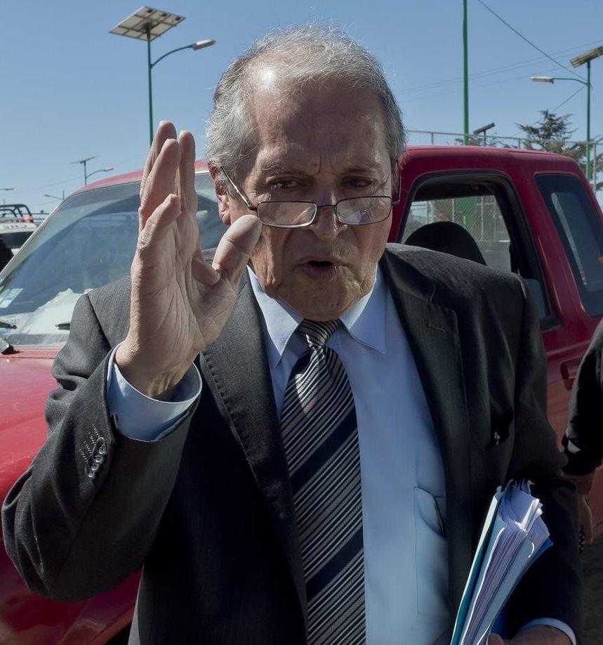 Juan Pablo Badillo otro de los letrados que defiende al Chapo Guzmán. (Foto Prensa Libre: AFP).